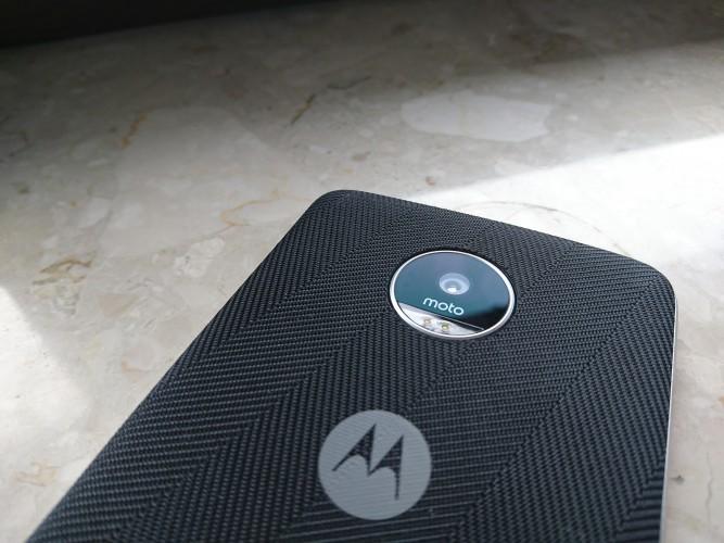 Lenovo Moto Z Play - recenzja, test, opinia