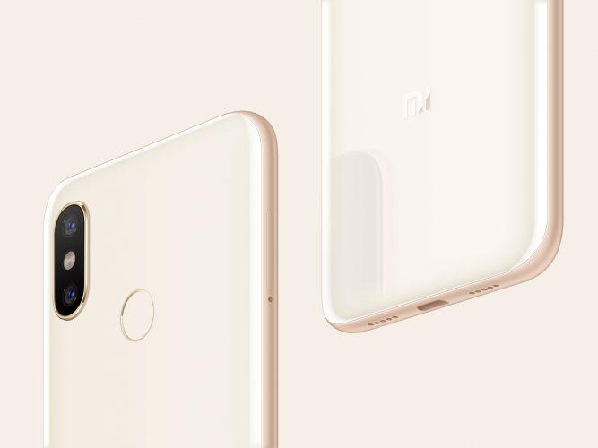 Xiaomi Mi 8 od jutra dostępne w Polsce - dobra cena oraz słuchawki jako gratis